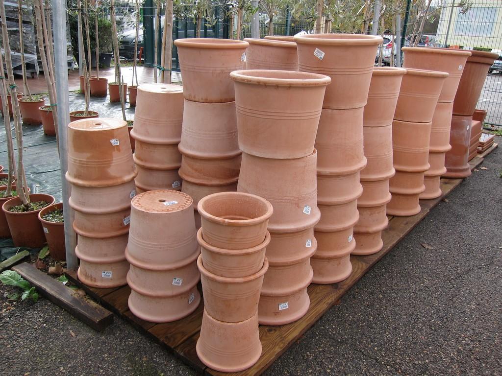 Pots et bacs d 39 exterieur aix la garde hyeres port for Rocchietta la garde
